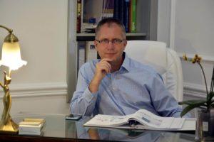 Dr. Nyirády Tamás